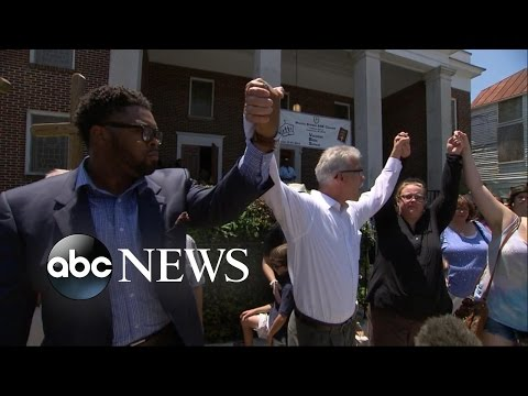 Charleston Church Comes Together After Mass Shooting