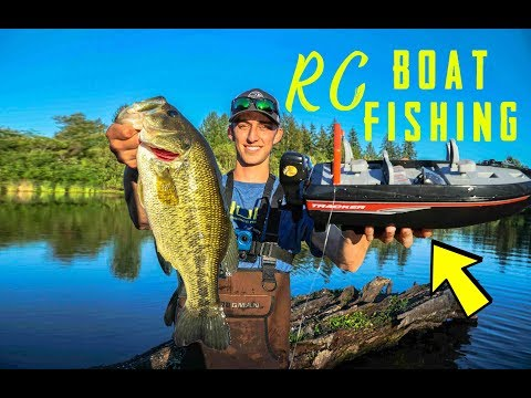 RC Boat Fishing For Big Bass!!! Toy RC Fishing