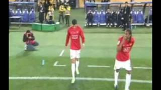 Osaka - Man Utd Ronaldo jump at the camera