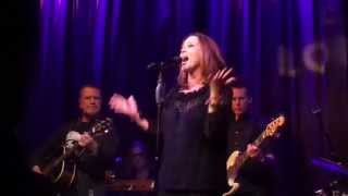 Belinda Carlisle Live In London 2015 Runaway Horses/I Get Weak