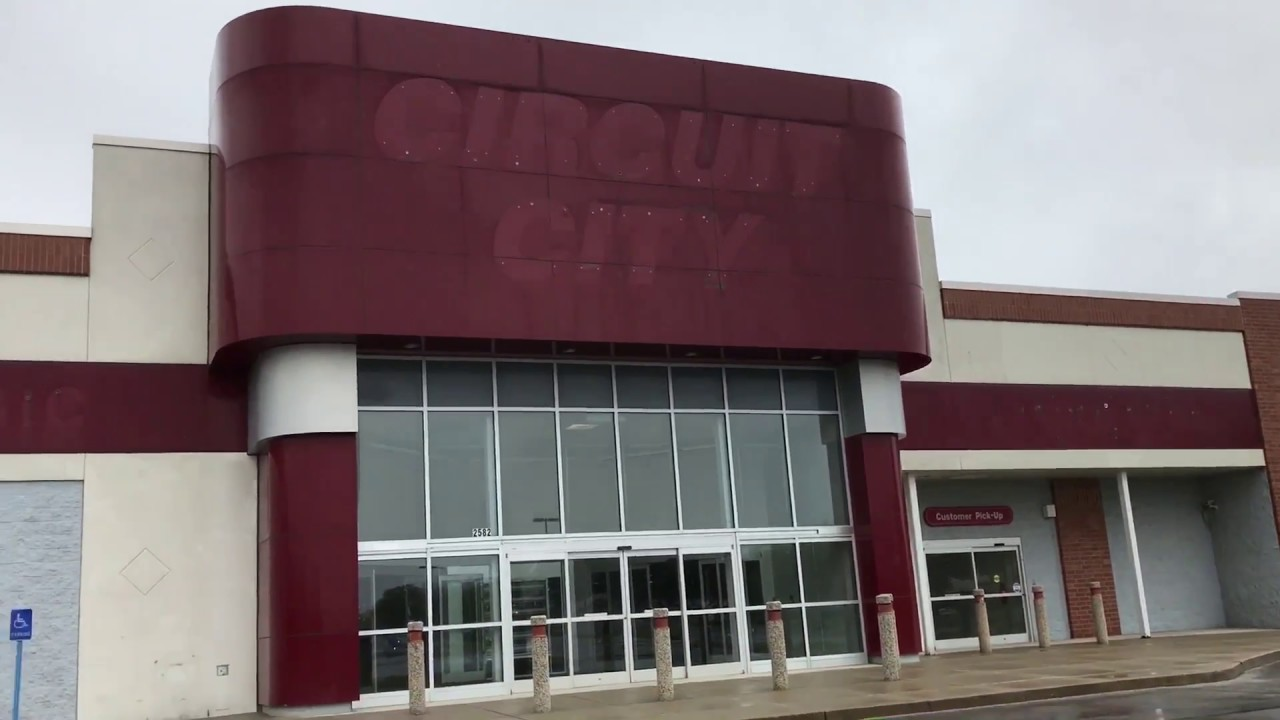 Abandoned Circuit City Store