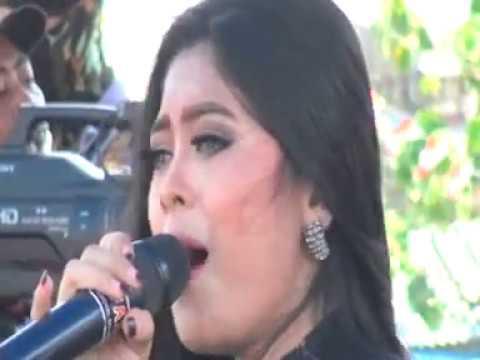 Mata Hati Voc. Utami Df Arseda Live Karangagung Tuban 2017