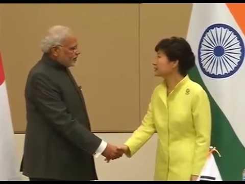 PM Modi meets the President of Republic of Korea, Park Geun-hye, in Nay Pyi Taw, Myanmar