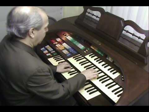 Bob Frazier Of AmericanMusic World Demos A Wurlitzter 3 Manual Theater Organ Model 630TA 900