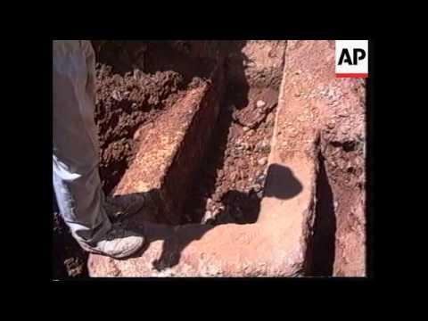 Lebanon - Workers Come Across Roman Treasure
