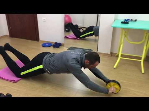 Abs roller ile karın kası egzersizi( fitness tekerleği-silindiri)