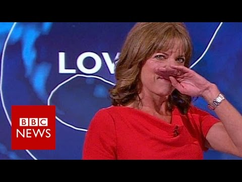 BBC weather presenter giggles through forecast - BBC News