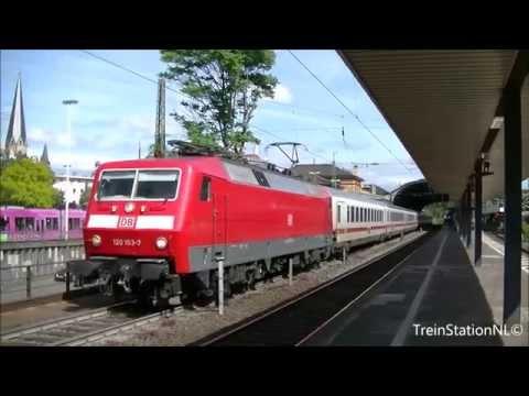 Vertrek DB 120 103-7 + IC rijtuigen Station Bonn