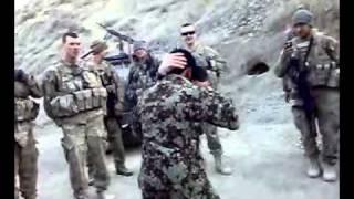 Download Video امريكايي او افغاني MP3 3GP MP4