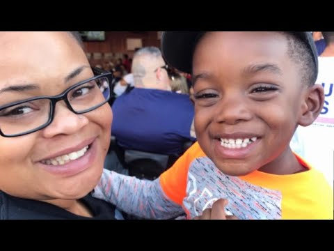 DC - The Botham Jean Foundation Donates Money To Atatiana Jefferson's Family