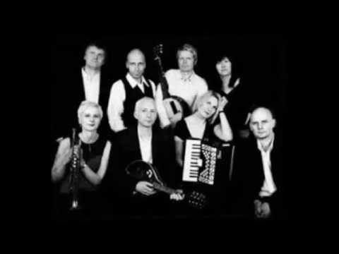 Chumbawamba - Glastonbury Festival - 26.06.94