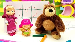 Pinypon Stella sfida Masha e Orso a TRIS!! Video divertente per bambini!