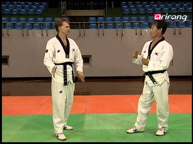 Taekwondo Step by Step Ep039 Twio-chagi ???? Twio bakkuwo-chagi ?? ??? ?? Twio banmom dollyo-chagi