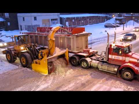 Canada, Montreal, snow cleaning by pro's (full HD)