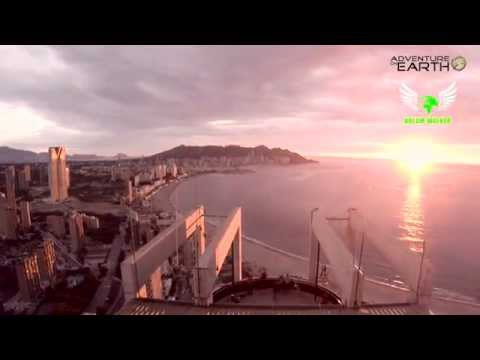 extreme-rope-jump-from-the-top-gran-hotel-bali-//-salto-con-cuerdas-extremo
