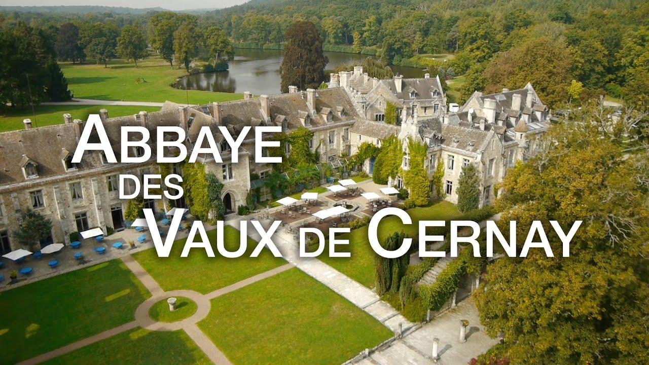 Abbaye des vaux de cernay ch teau h tel restaurant youtube for Abbaye des vaux de cernay piscine
