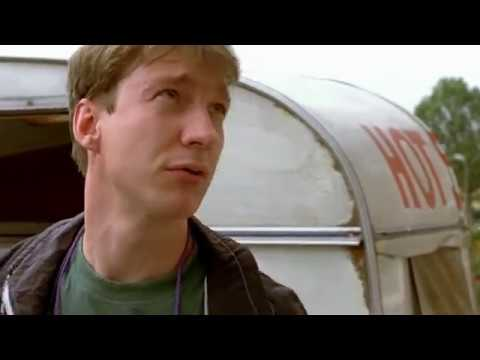 David Thewlis in Life is Sweet 1990 part 1