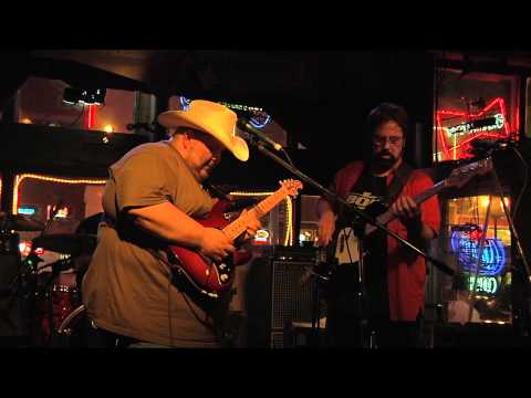 Honky Tonk Night Time Man ....Great LIVE performance!
