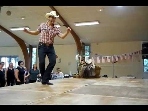 Piñata (country line dance) - David Linger