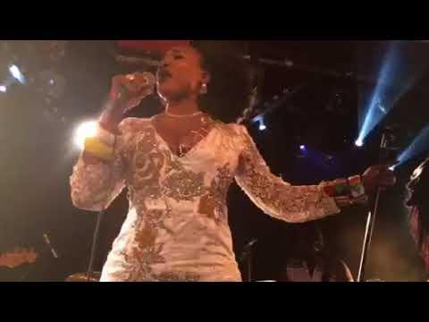 Oumou Sangaré Live @La Maroquinerie Paris 27-06-2K17