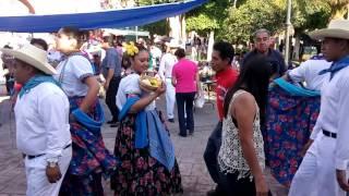 Grupo de Danza Folklorica en el Ceremonial de Gratitud a la Madre Tierra