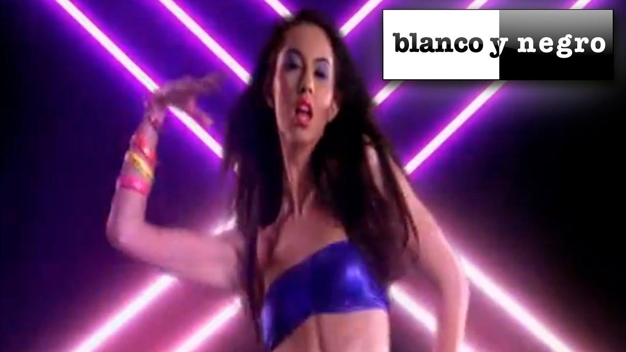 Steve Angello & Laidback Luke feat. Robin S - Show Me Love (Official video)