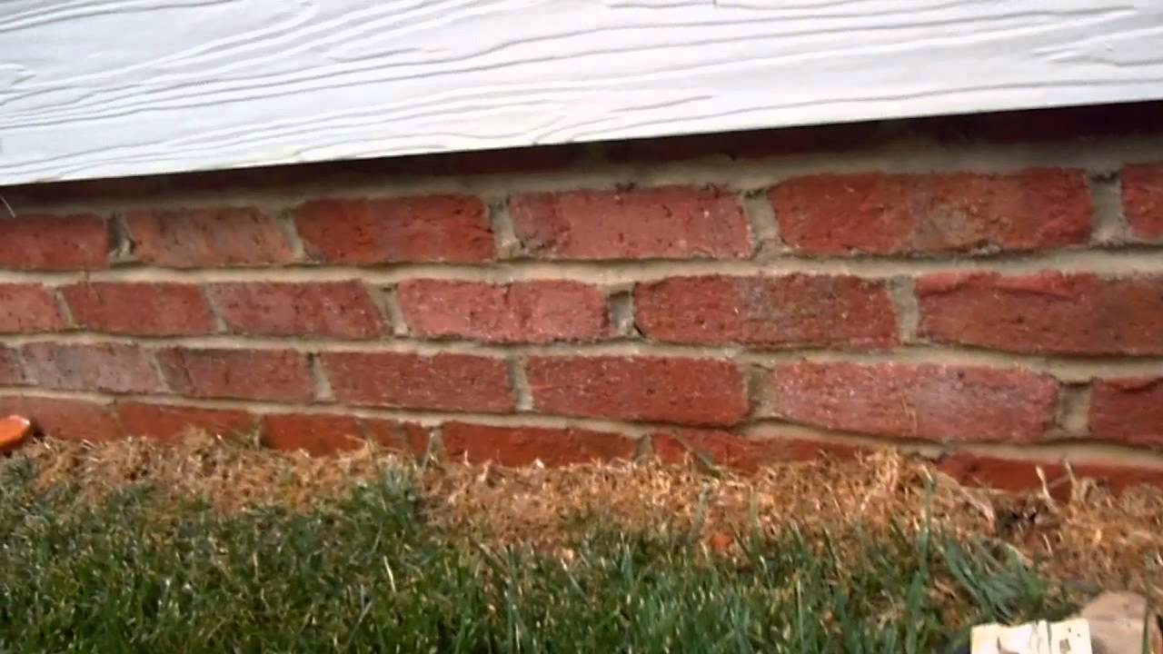 How To Remove Iron And Rust Stains From Siding Youtube