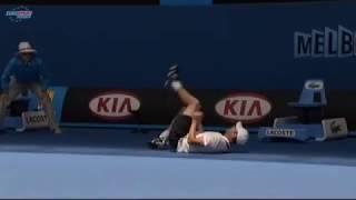 Andy Roddick slams the linesman for tackling him