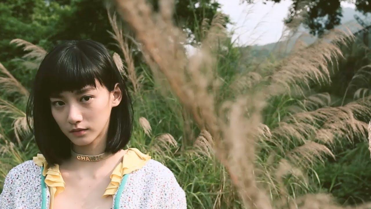 袁澧林 Angela Yuen | 這是年輕的時代 | Behind the Scenes of ELLE HK Cover Shoot - YouTube