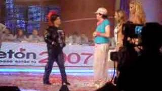 Repeat youtube video Teleton 2007 Paty Cofre sin censura