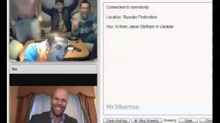 Jason Statham in chatroulette. Джейсон Стетхем в чатрулетке развлекает народ)