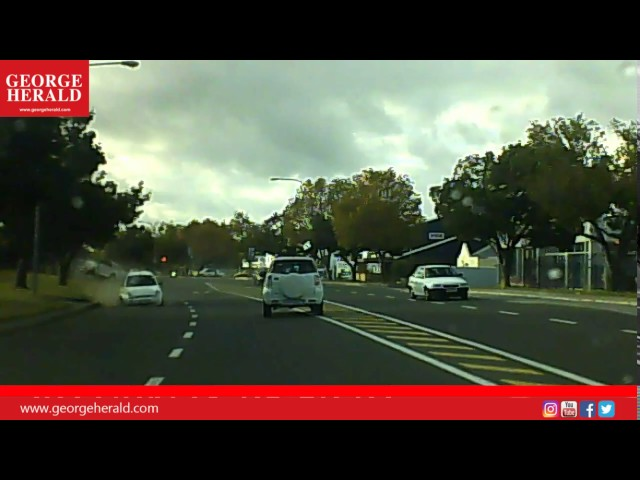 Accident caught on camera in Knysna Road, George