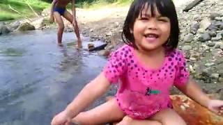 Gemas, Anak Cina Aceh Mandi Sungai