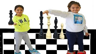 Masal and Öykü are learning to play chess