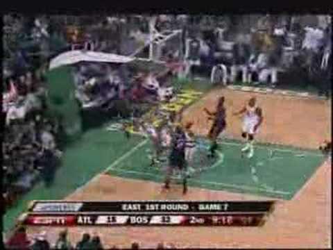 [Celtics - Hawks] PJ Brown Meets Childress Right at The Rim