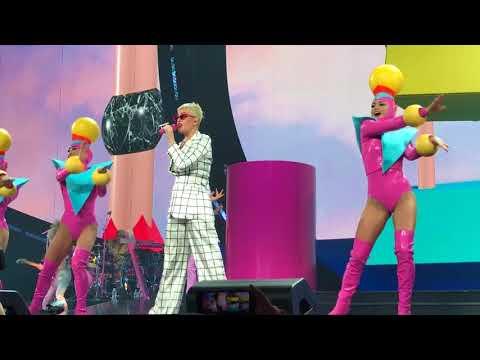 Katy Perry Live Witness Tour Toronto: Teenage Dream