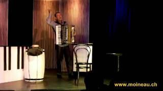 """MOINEAU joue et chante """" Le doux caboulot """" de Francis Carco"""