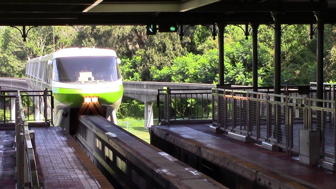 Monorail Green Pulling Into Magic Kingdom Station Walt