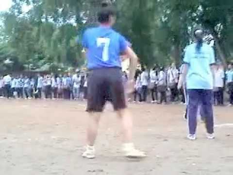Chung ket da banh nu THPT Long Thanh 2011 [11A2-11B8]