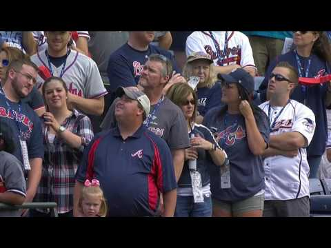 Atlanta Braves honor former players prior to final game at Turner Field