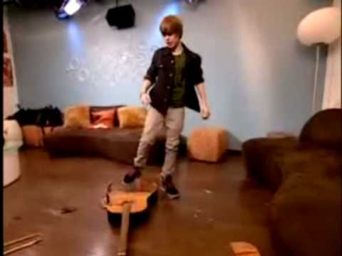 Justin Bieber - Down To Earth. Official Video Clip