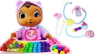 LEARN COLORS Paw Patrol Skye Feeding Baby Cece Rainbow Gumballs Doc McStuffins Get Better Playset!