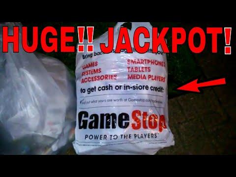 HUGE!!! DUMPSTER JACKPOT!! Gamestop Dumpster Dive Night #310