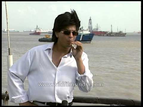Shahrukh Khan smokes during interview, discards cigarette an