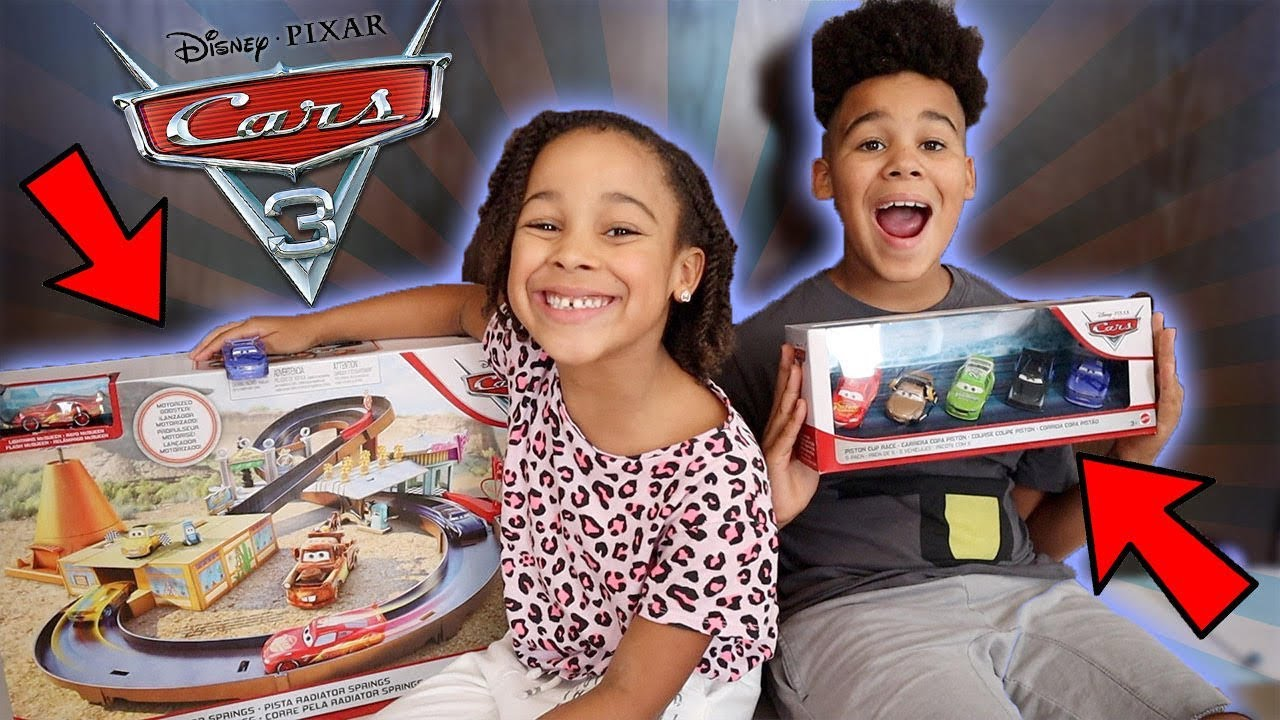Magical Dream with Disney-Pixar Cars | FamousTubeKIDS