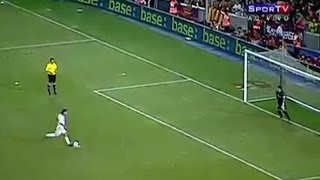 Penaltıyı kafası ile atan futbolcu ( YILIN OLAYI )