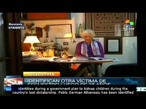 Grandmothers in the Plaza de Mayo discover identity of 'grandson 109'