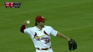 CIN@STL: Kozma makes grab in rare outfield outing