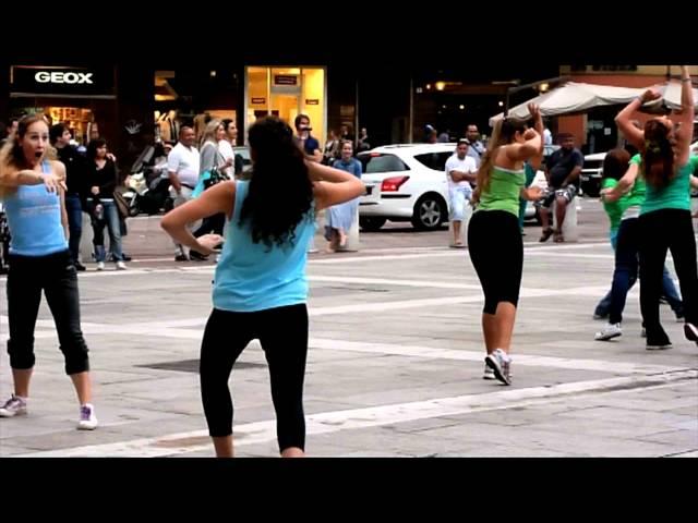 C'è bisogno di una squadra (remix), flashmob | Camminando | Le Verdi Note
