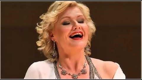Karita Mattila sings Quando m'en vo from La Boheme